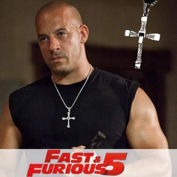 Pendentif croix Fast and Furious Vin Diesel a.k.a. Dominic Toretto